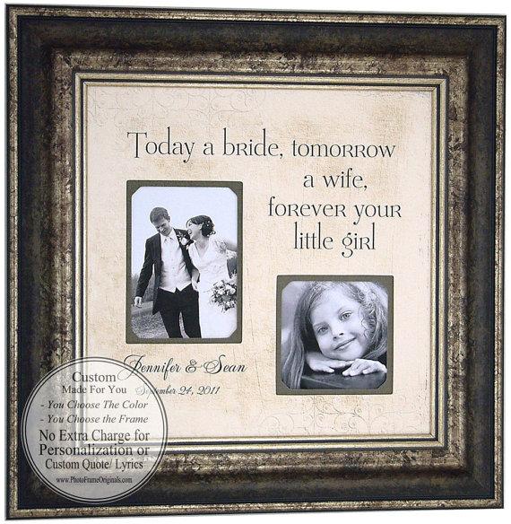 cadeau des mari s leurs parents a un d tail pr s. Black Bedroom Furniture Sets. Home Design Ideas